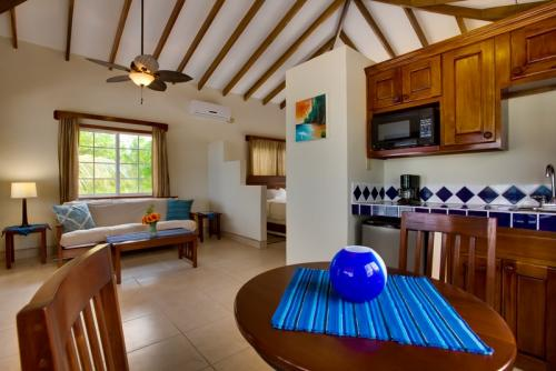 belize-beach-cabanas-upgrade-gallery-5